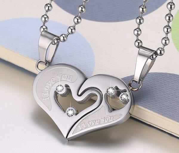 Кулоны парные Две половинки сердца серебристые
