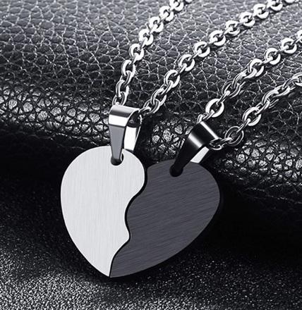 Парные кулоны Две половинки сердца