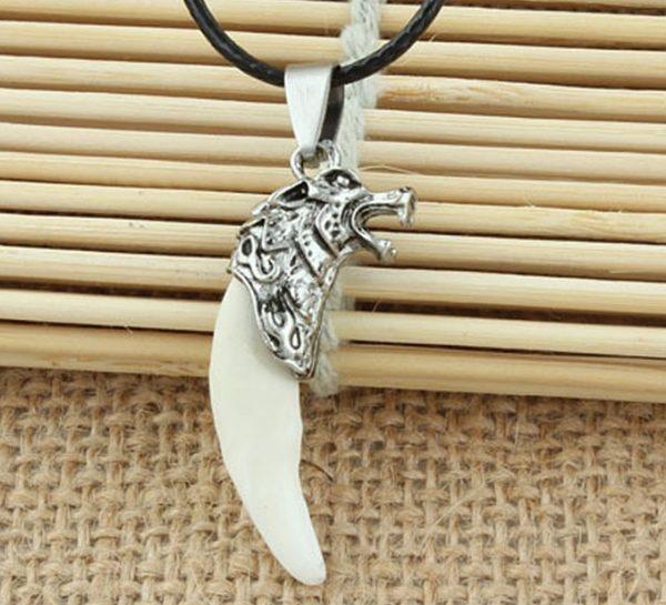 Кулон Клык волка белый большой