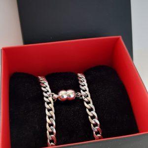 Парные браслеты с магнитом Неразлучники в подарочной коробке