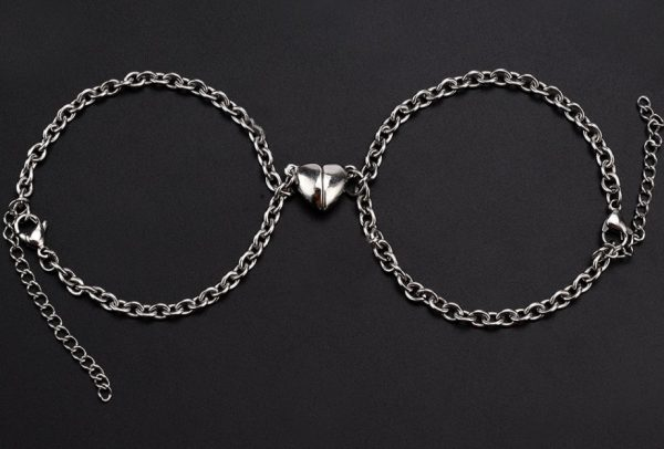 Браслеты парные с магнитом Две половинки сердца
